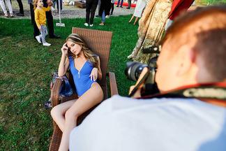 Фотофакт: как отдыхали минчане на вечеринке с DJ-сетами, модными показами и катанием на яхтах на берегу Минского моря