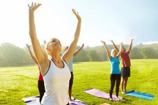 В столичном парке каждую субботу проходят бесплатные занятия по гимнастике