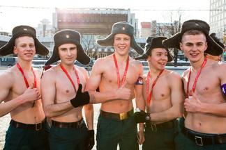 2,5 тысячи мужчин с голым торсом соберутся в центре 23 февраля