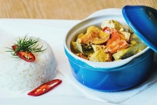 Новые блюда со всей Земли в кафе «Т.О.Ч.КА.»: индийский цыпленок и перуанский палтус