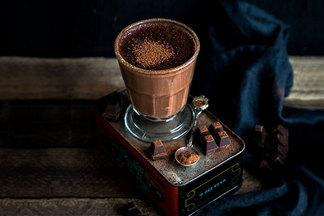 Клюквенный чай, пряный шоколад и бичерин. 19 напитков, которые согреют вас этой осенью