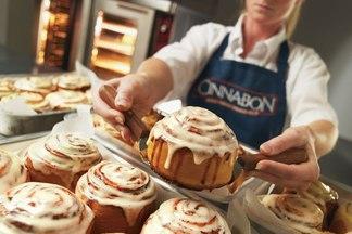 Еще одно кафе сети Cinnabon открылось в ТРЦ ArenaCity