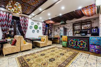Яркие краски, большой выбор чаев и блюда пяти кухонь. В Минске открывается чайхана «Ташкент»