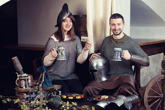 Как вступить в средневековый орден? Ресторанная сеть «Староместный пивовар» представила необычную бонусную систему