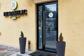 Европейские блюда с восточным колоритом. Посмотрите, как выглядит новое кафе Le Basilic в Осмоловке