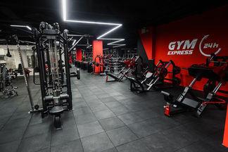 Фотофакт: Круглосуточный фитнес-клуб со входом по отпечатку пальца открылся в Arena City