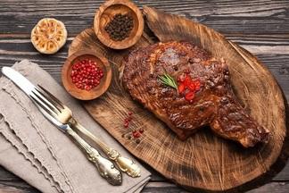 С поваром белорусской Гильдии ищем лучшие стейки в  Минске и выясняем, как  их  распознать