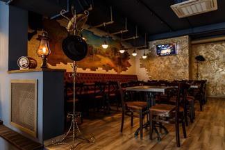 На Интернациональной открылся piano bar в стиле кантри Honky Tonk