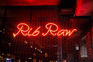Smoky food, живые концерты и еще пара причин зайти в новый мясной ресторан Rib Raw на ул. Гикало, 7