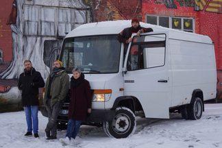 «Назовем бургер в твою честь». Минчане просят помочь в открытии бургерной на колесах