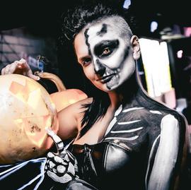 Halloween в караоке Европа