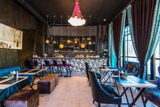 #МамаЛюбитТебя. Новый лаунж-бар Mama Stiflera открылся на Зыбицкой