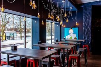 На Богдановича открылся neo street-food бар Cheer Bear с крафтовым пивом и бургерами от 8 рублей