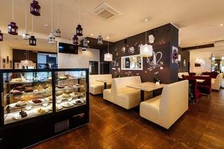 Что, где, сколько стоит: на месте Fresh Cafe возле к/т «Октябрь» открылось второе кафе «Безе» с авторскими десертами