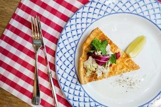 В BierKeller стартовал немецкий луковый фестиваль. Предлагают аутентичные пироги от 6,5 рубля