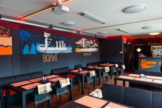 На Октябрьской открылся пивной бар Wolki Grill с террасой на крыше