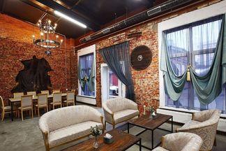 Замковый стиль и много блюд из мяса. На ул. Кальварийской, 21 открылся ресторан Beef&Fire