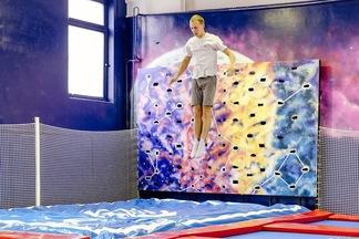 Акробатика и фитнес на батутах. В Минске открылась арена для прыжков «Гравитация»