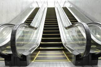 На вокзале за год и миллион долларов заменят шесть эскалаторов
