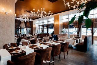 «Кюхенмайстер» приглашает отметить День влюбленных романтическим ужином