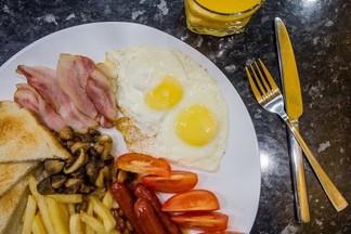 Завтрак в городе: очень разнообразные, щедрые и недорогие блюда в «СоюзОнлайн»