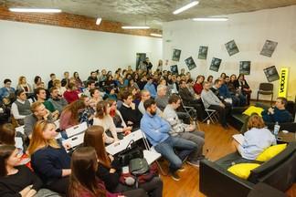 «Кино не нужно понимать». Самый известный российский кинокритик Антон Долин провел мастер-класс в Минске
