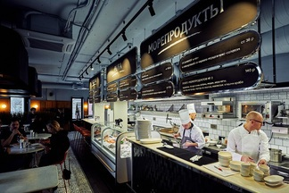 «В день открытия продавали по устрице в минуту». Первый рыбный ресторан от John Dory заработал на Революционной