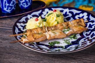 Ланч в городе: какие блюда и за сколько предлагают в обеденное время в сети лаунж-кафе «Чайхана»
