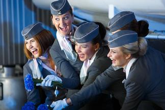 Фотофакт: «Белавиа» выбирает новую форму для пилотов и стюардесс. Предложено 15 вариантов