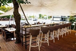 Теперь с контактным баром: летняя терраса в Golden coffee на Богдановича обновилась и работает почти всю ночь