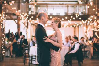 Обзор цен на аренду ресторана к свадьбе: 11 мест для масштабного торжества на 100 человек