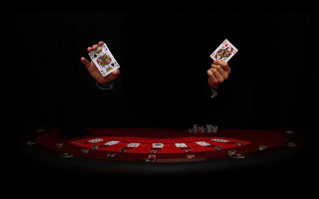 Играть в казино одним словом играть с компьютером в карты в переводного дурака