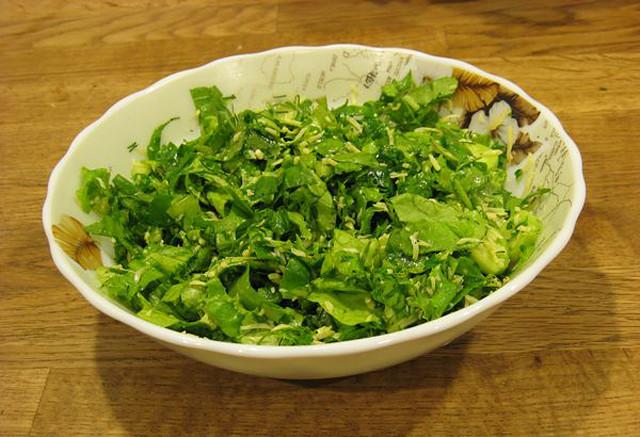 Салат из листьев салата рецепты с