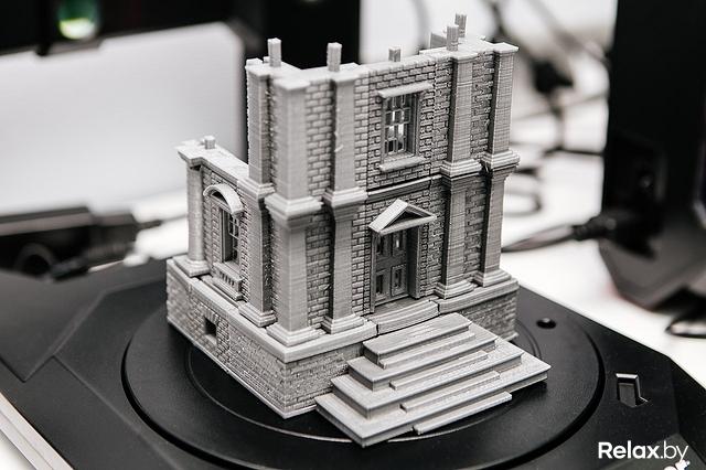 Обещают распечатанные на 3D-принтере сувениры на память. Кстати b89fb7392b602